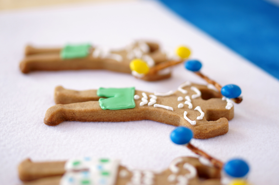 Beach Boy Cookies with M&M's | Sweeterville.com