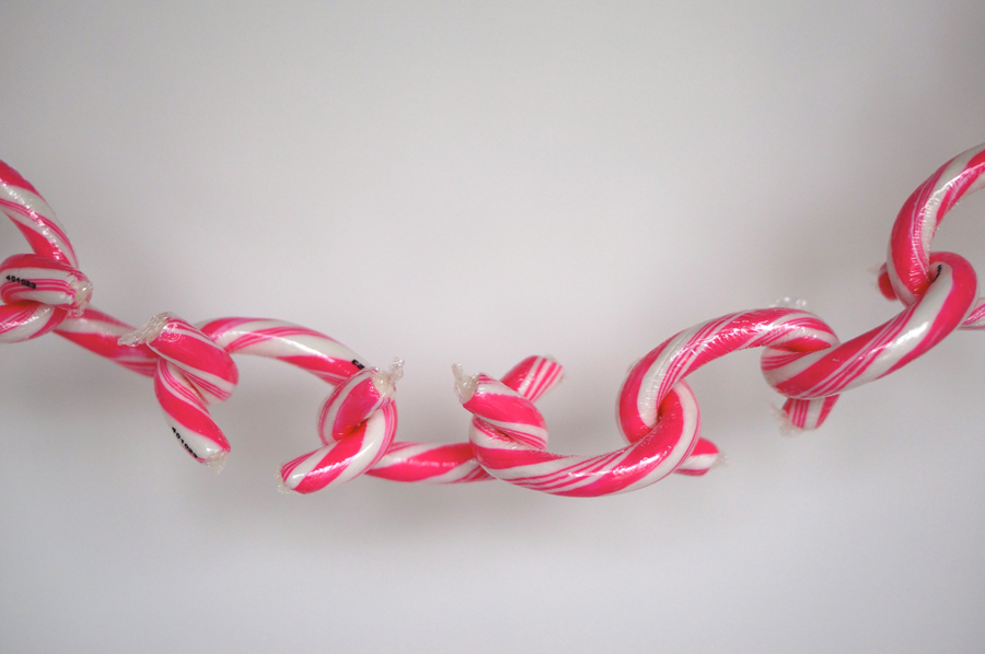 Linky Doodles Candy Chain Display | Sweeterville.com