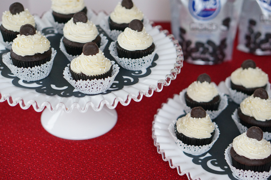 Stanley Cup Cakes topped with new Mini York Peppermint Patties | Sweeterville.com