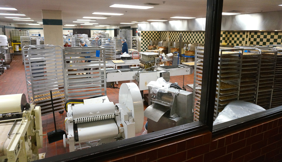 Long Grove Confectionery Factory Tour | Sweeterville.com